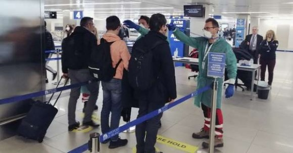 """Trung Quốc cố tình """"mở cửa"""" cho người nhiễm Covid19 bay sang các nước Mỹ, Anh, Ý, Tây Ban Nha, Đức,… ?"""