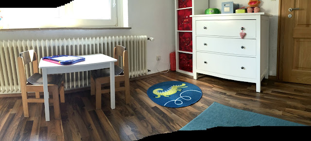 Kinderzimmer - Malecke, Regal und Kommode
