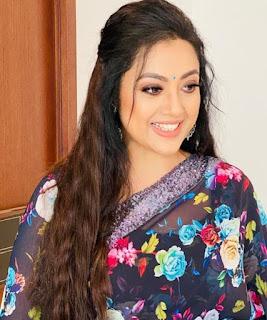 Meena Photos