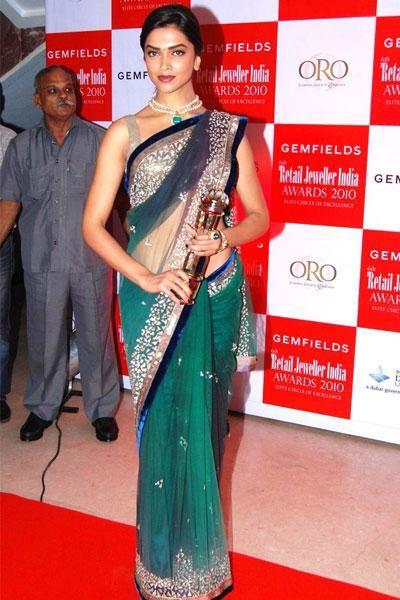 Top 10 Most Beautiful Bollywood Actresses 2015 Deepika Padukone