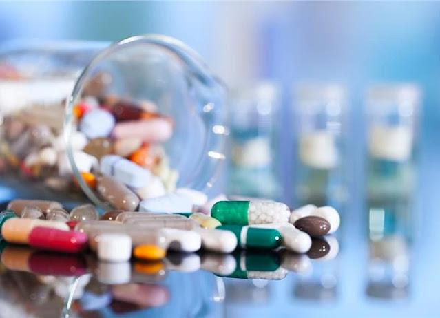 Παρότι η ανακάλυψη των αντιβιοτικών αποτελεί μία από τις πιο σημαντικές ανακαλύψεις της Ιατρικής, η κατάχρησή τους αποτελεί ένα πρόβλημα με κοινωνικές προεκτάσεις και δυστυχώς η Ελλάδα κατέχει την πρώτη θέση μεταξύ των ευρωπαϊκών χωρών στην κατανάλωσή τους. Τα παραπάνω επισημαίνει η παιδίατρος- λοιμωξιολόγος επιμελήτρια Α' ΕΣΥ στη Μονάδα Ειδικών Λοιμώξεων της Α' Παιδιατρικής Κλινικής ΑΠΘ Ελένη Παπαδημητρίου.
