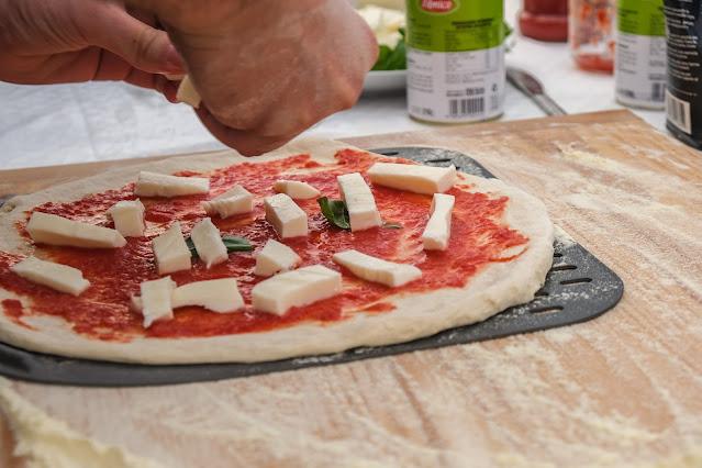 Condimento pizza napoletana fatta in casa