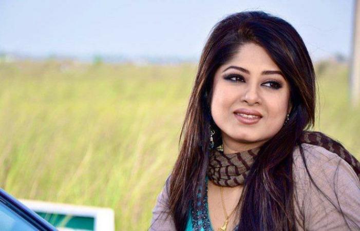 Actress Mousumi Best Photos & Short Biography 14