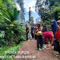 Berkunjung ke Wisata Sungai Tendikat Batu Kembar Desa Pemayungan, Sumay