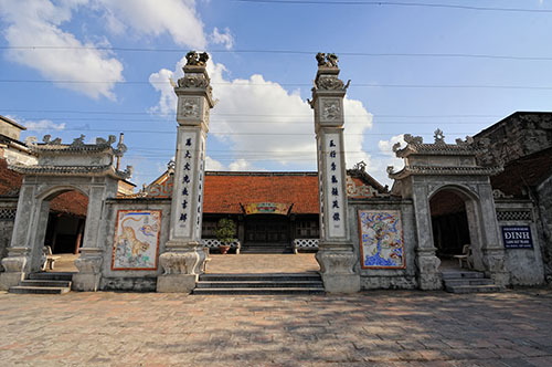 Visit the most famous ancient pottery village in Vietnam