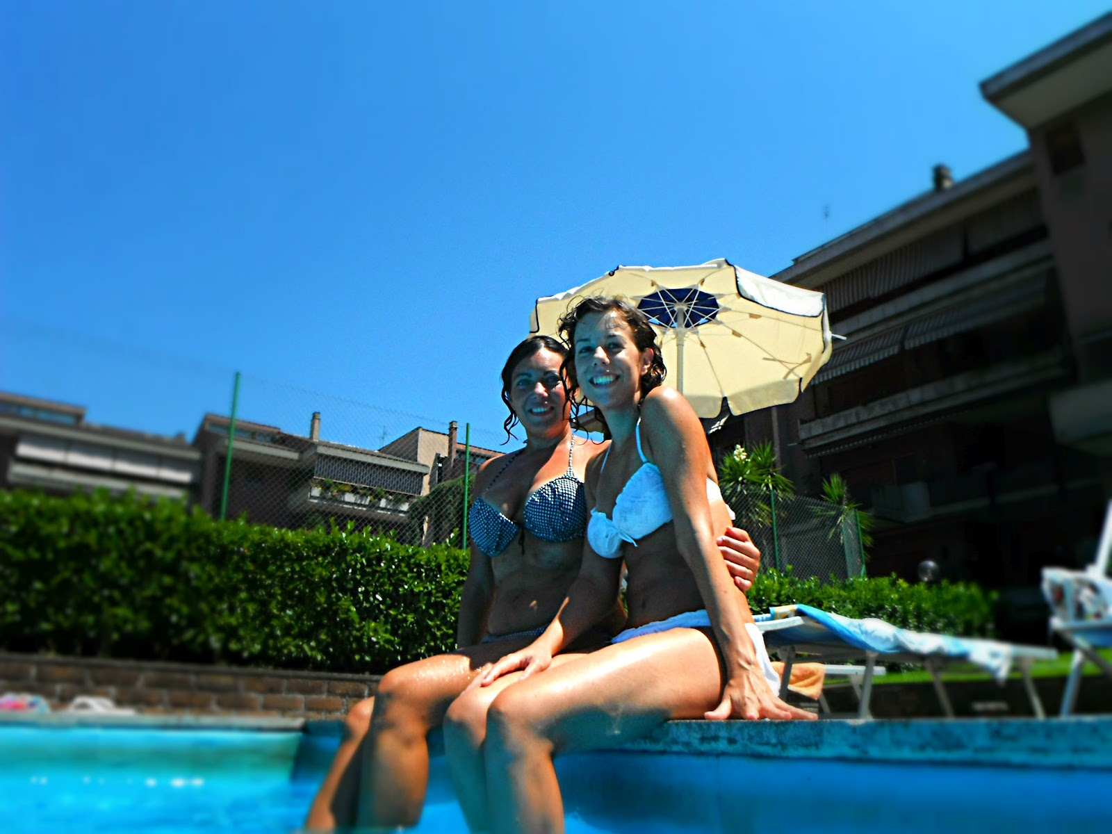 http://s-fashion-avenue.blogspot.it/2012/09/my-summer-with-friends.html