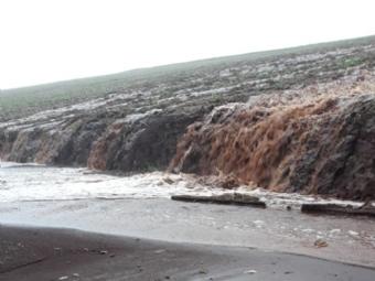 Chuva causa transtornos e prejuízos a agricultores em Campina da Lagoa