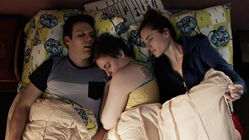 girls-hbo-season-5-fran-hannah-marnie-bed