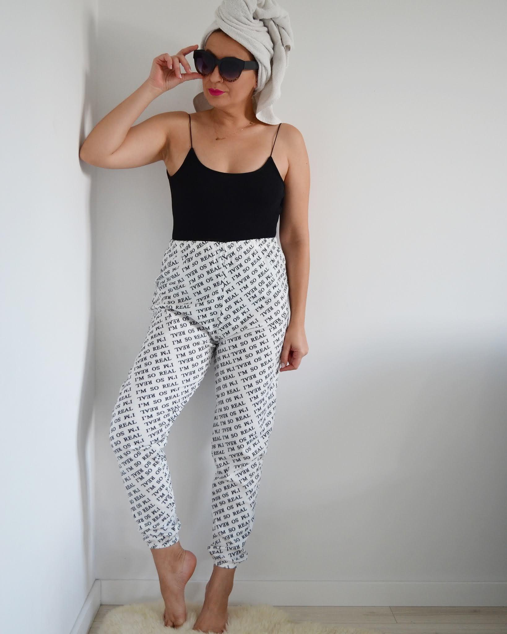Sporty Casual Look,Femme Luxe Loungewear,dres,blog modowy Świdnica,FemmeLuxeFinery Co-ords,Jesienna Stylizacja,Adriana Style Blog,Fashion,autumn outfit,moda,on-line shopping,Dresy,
