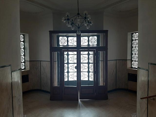 hall de entrada em edifício de art deco