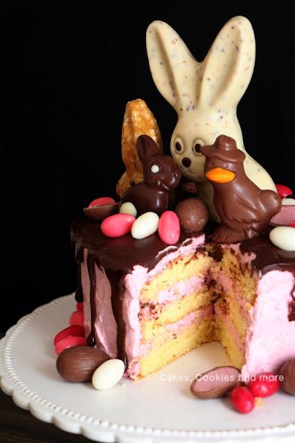 Rezept für Oster Dripping Cake mit Himbeequark und Ganache