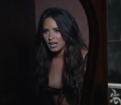 Demi Lovato lança clipe de Tell Me You Love Me