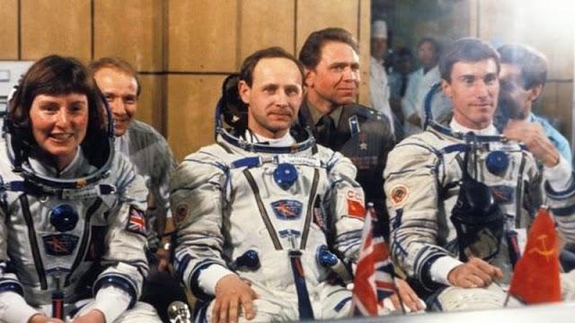 Az első brit űrhajós szerint az idegenek köztünk élnek