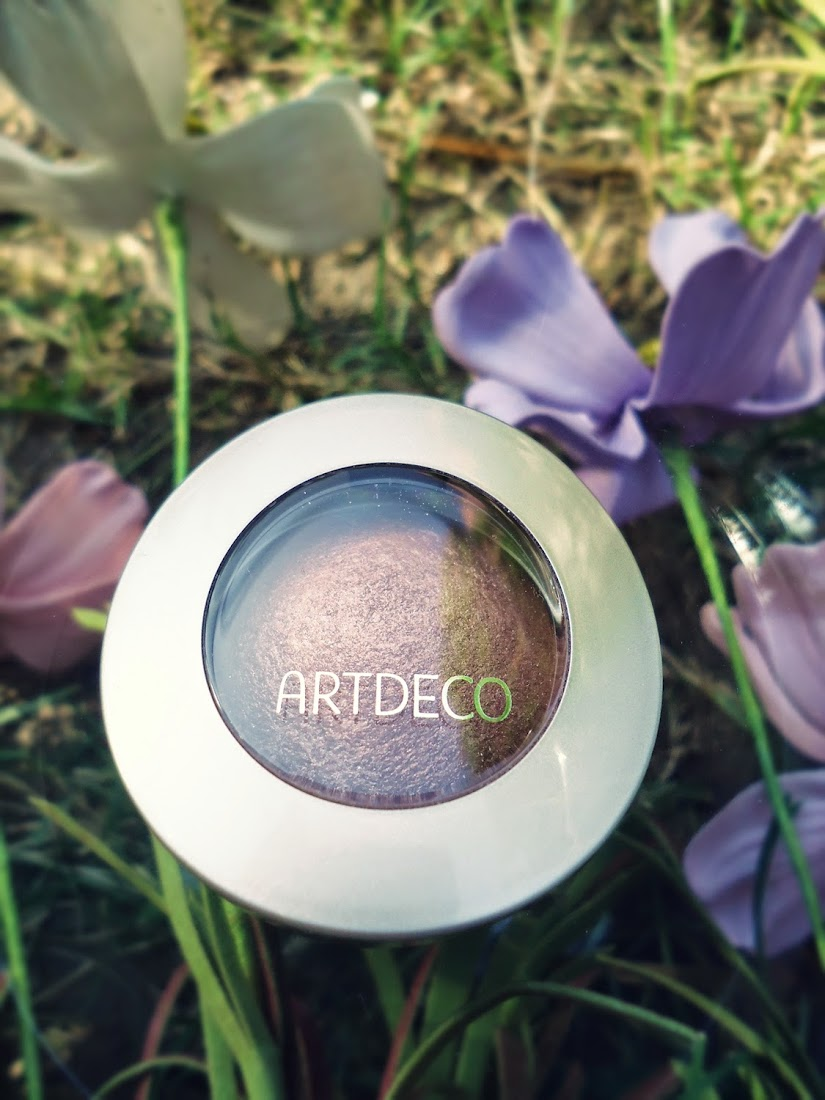 ARTDECO Mineral Baked Eyeshadow in Bright Sand