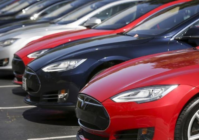 Tesla voluntarily recalls early Model S