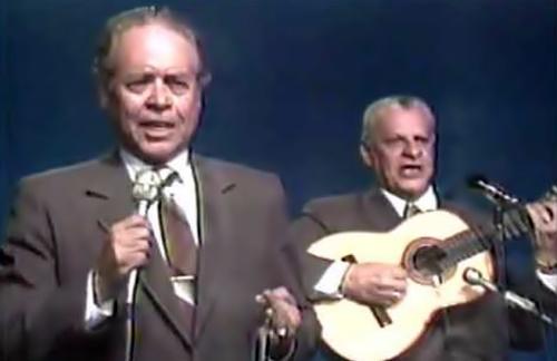 Dueto De Antaño - Dos Claveles