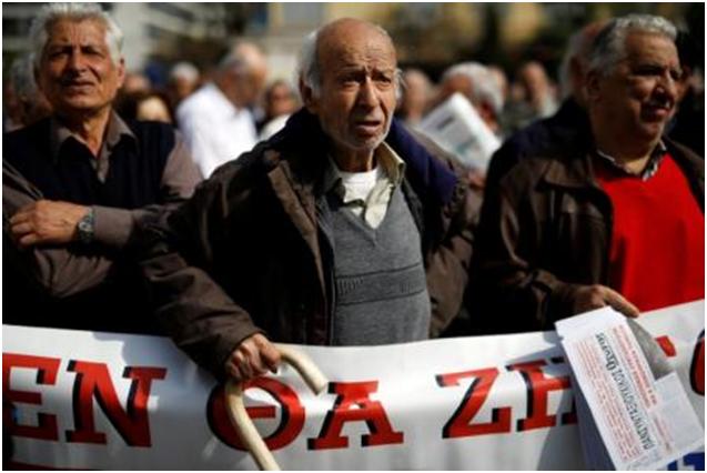 Miles de pensionistas griegos protestan contra la austeridad