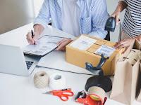 Ingin Geluti Bisnis Jasa Titip? Yuk Simak Keuntungannya Di Sini