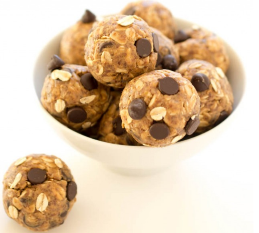 5 Ingredient Peanut Butter Energy Bites #meal #snack #desserts