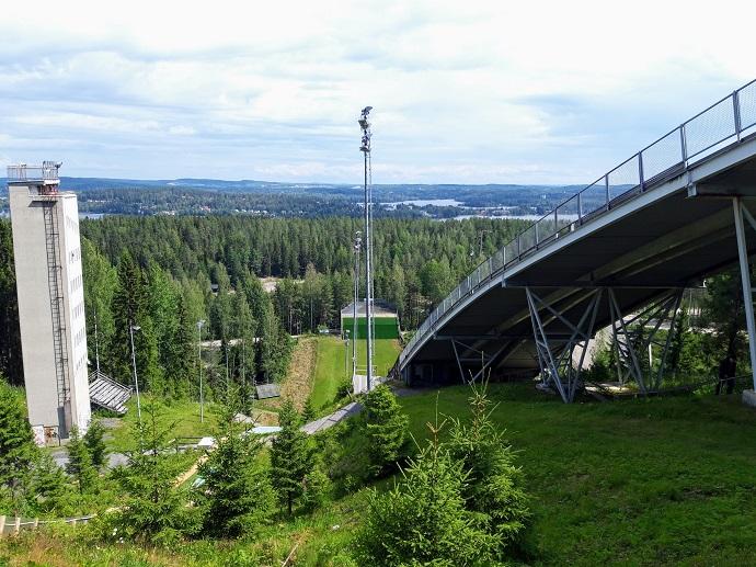 Mäkihyppytornit Jyväskylän Laajavuoressa