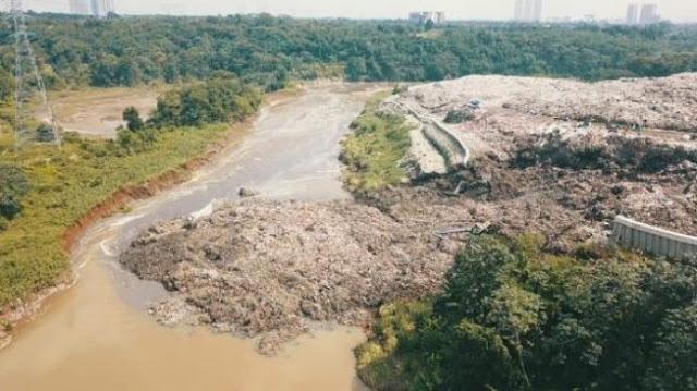 Miris! Sungai Cisadane Dipenuhi Berbagai Limbah Medis, Mulai Jarum Suntik hingga Hazmat