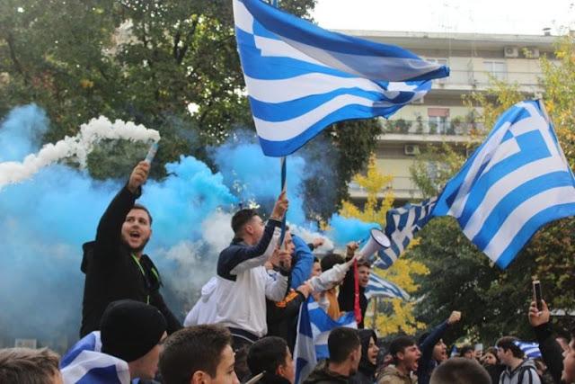 Μαθητής σχολείου της Θεσσαλονίκης:Αν νομίζετε ότι θα μας τρομάξει η ταμπέλα του φασίστα είστε γελασμένοι