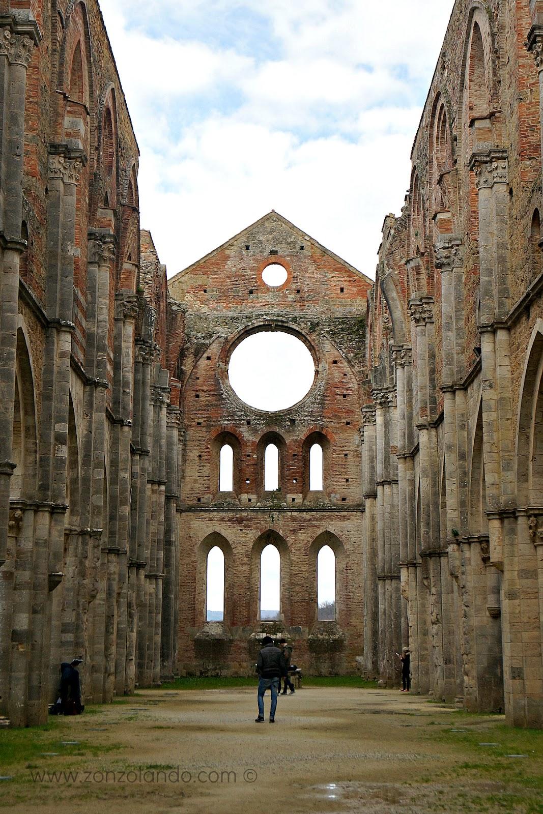 San Galgano cosa fare e vedere storia spada della roccia leggenda Re Artù abbazia eremo Chiusdino Siena