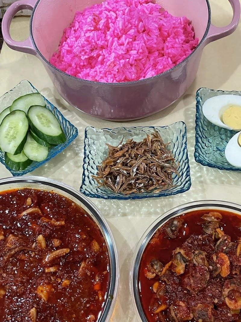 Nasi Lemak Pink Dengan Le Creuset Simple Ringkas Sedap | Muzlina.com |