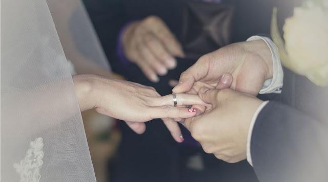 https://www.abusyuja.com/2019/12/hukum-menikah-atau-pacaran-beda-agama.html