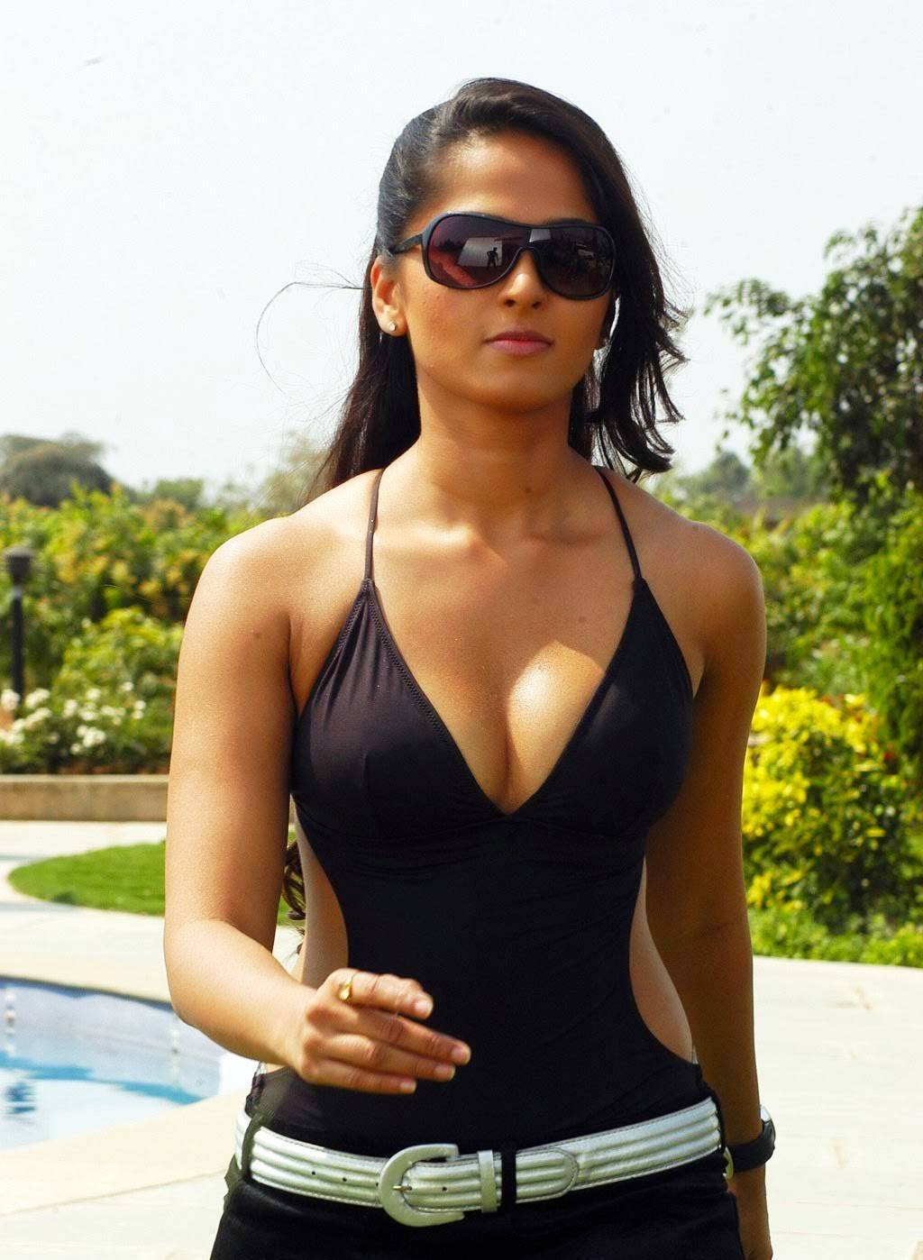 Anushka Shetty Bikini photo