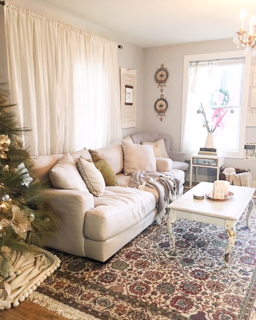 vintage eclectic farmhouse living room christmas
