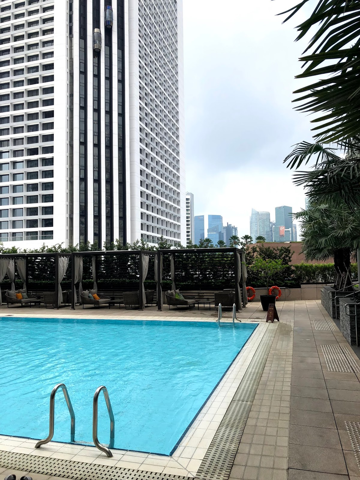 Conrad Centennial Singapore Swimming pool