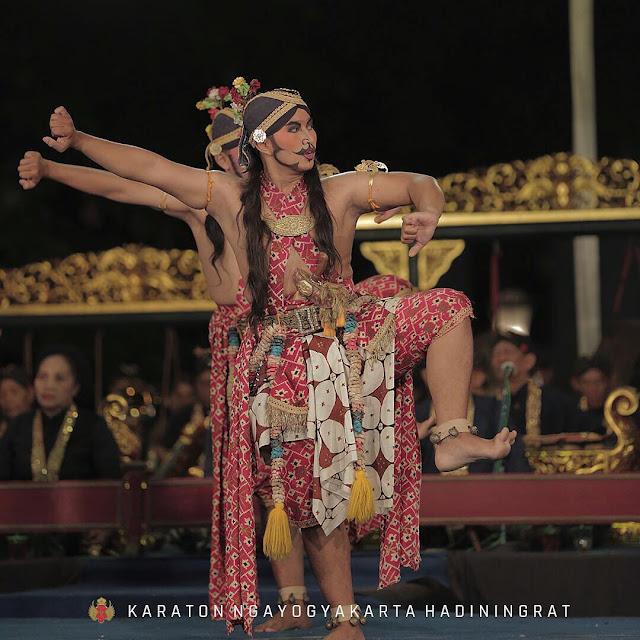 keraton yogyakarta is tourist destination in jogja