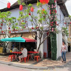 Johor Breakfast - Half Boiled Eggs @ Restoran Kin Wah 锦华餐室