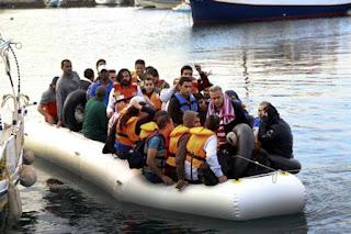 Μετανάστες. Από το παρακάλι στην απαίτηση!