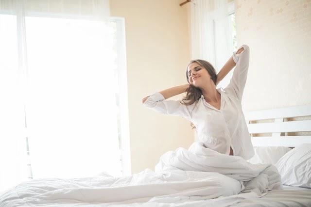 Eğer sabahları yorgun uyanıyorsanız, uyku sürecinizi doğru yönetemiyorsunuz demektir. 7 basit kuralla uyku kalitenizi artırabilirsiniz.