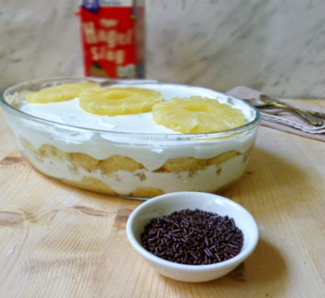 tiramisù leggero e veloce con yogurt e ananas