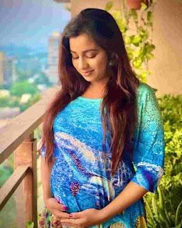 shreya ghoshal soon to become mother
