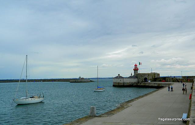 Pier de Dun Laoghaire, cidade litorânea próxima a Dublin