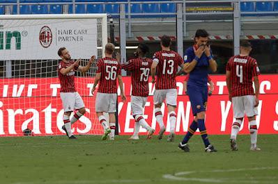 """Video AC Milan 2-0 Roma: 15 phút """"điên rồ"""", tiếp đà thăng hoa"""