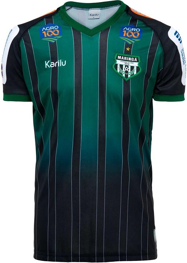 O modelo titular é listrado verticalmente em verde e preto. A camisa reserva  é predominantemente branca com detalhes em verde na gola e nas laterais. 4dc3f1192cbbf