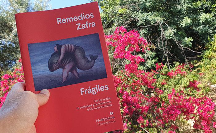 Reseña de «Frágiles» de Remedios Zafra (Anagrama) en Bestia Lectora