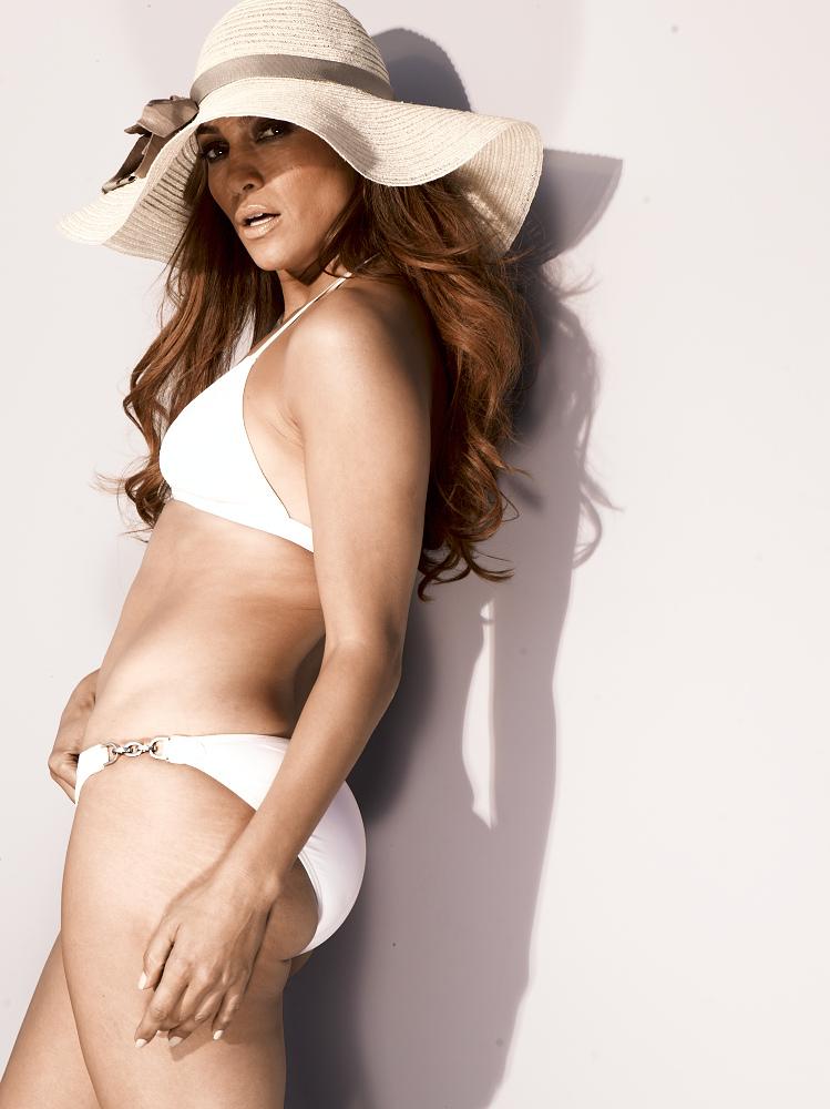 Amanda bynes wearing a bikini