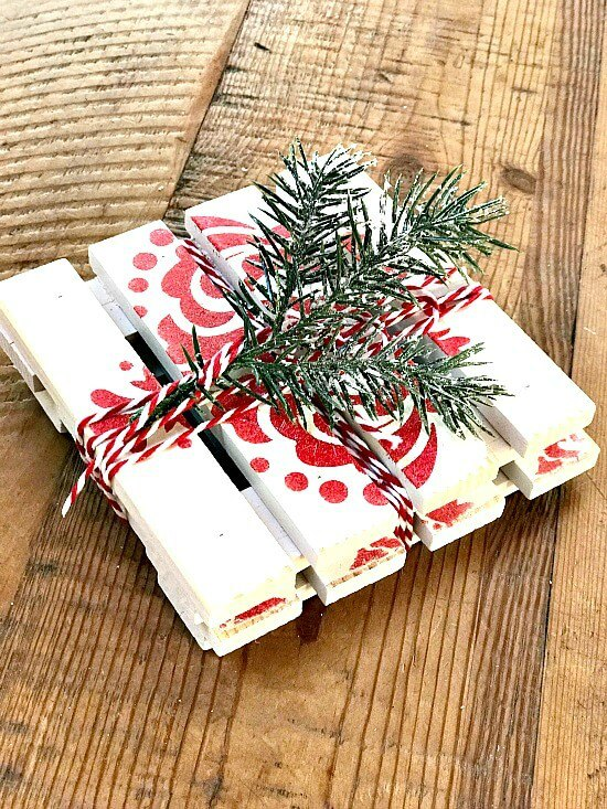 Red and white Mini Pallet Christmas Drink Coasters