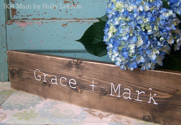 customize the paint to coordinate with the wedding colors