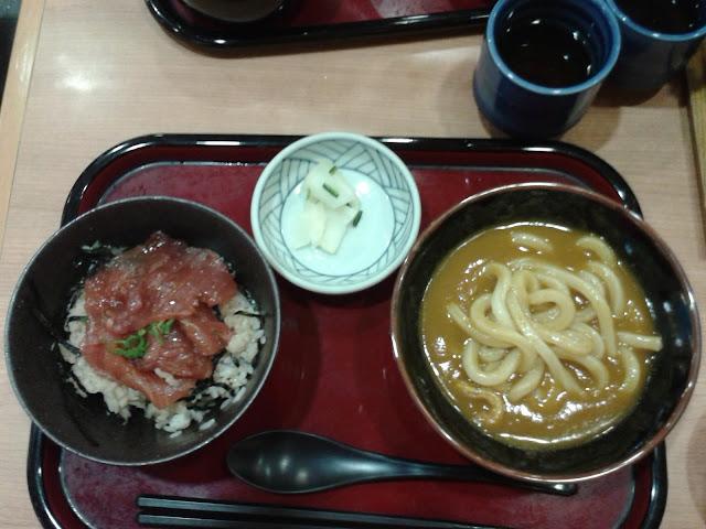 Set de sashimi y udon