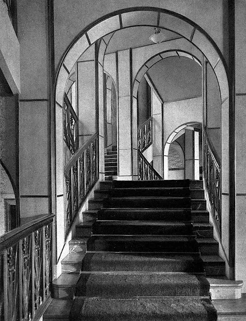 Paul Mebes stairs architecture, a photograph