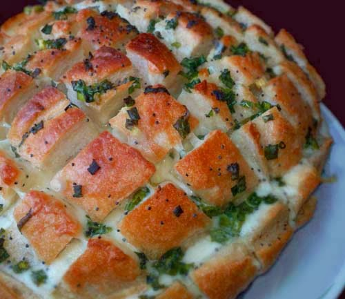 Cheesy Onion #Pull_Apart_Bread. Click For Recipe