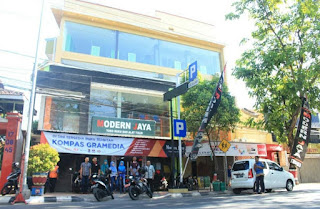 Toko Buku Modern Jaya Sedang Membutuhkan Pramuniaga Toko Buku Modern Jaya Sedang Membutuhkan Pramuniaga