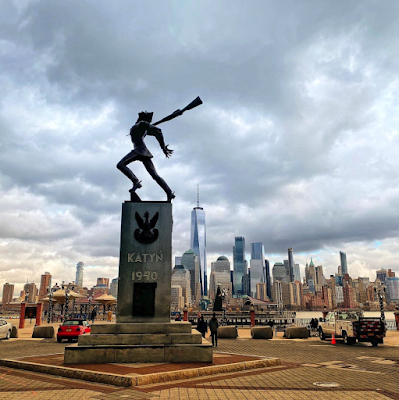 View of the Katyn Memorial with the Manhattan skyline in the background